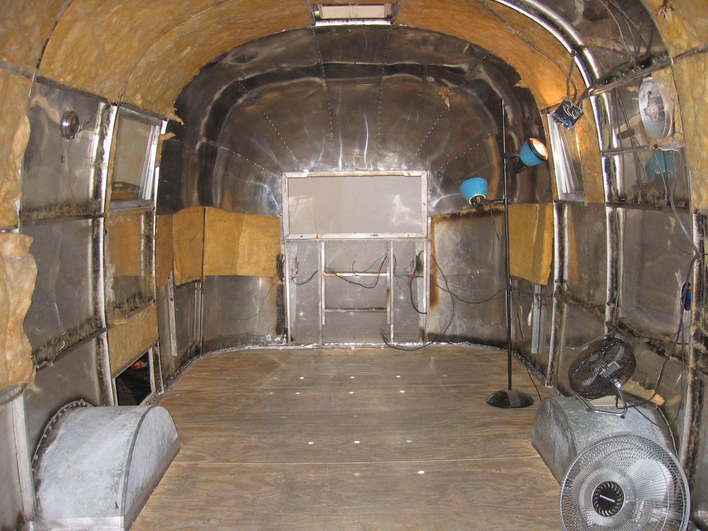 Airstream restoration 59 safari for A l interieur trailer